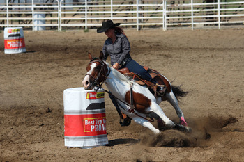 Barrel Race Riding
